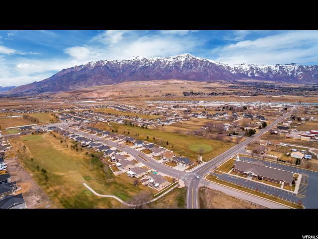 3060 W 3375 N, Farr West, UT 84404 (#1619192) :: Doxey Real Estate Group
