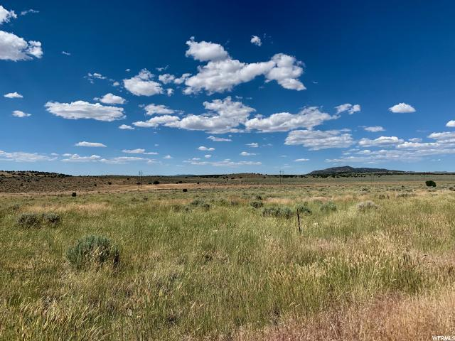 2535 E Village Green Rd, Enoch, UT 84720 (#1620019) :: Colemere Realty Associates