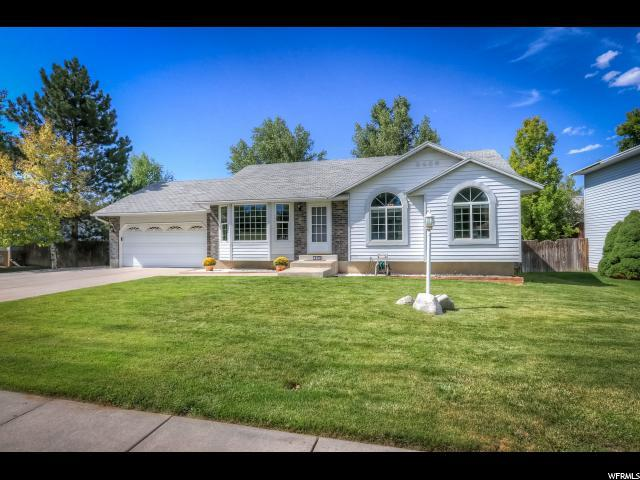 4542 W 3990 S, West Valley City, UT 84120 (#1620531) :: Colemere Realty Associates
