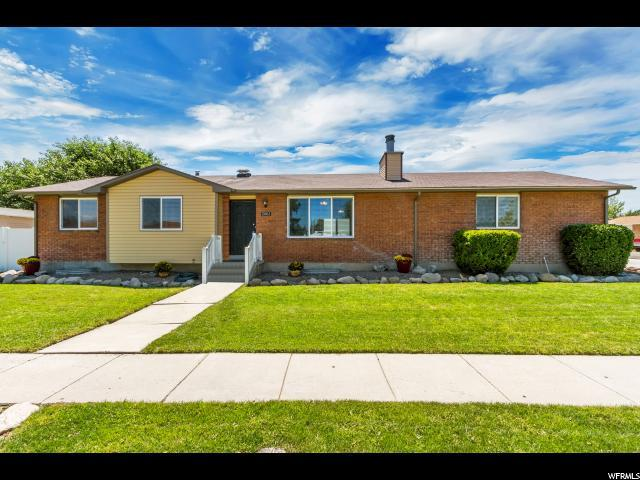 2061 W Carriage, Riverton, UT 84065 (#1622039) :: Red Sign Team