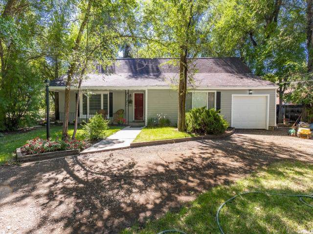 1930 E Spring Ln, Holladay, UT 84117 (#1629587) :: Colemere Realty Associates
