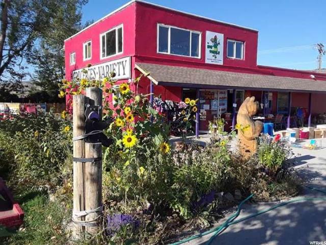 2123 S Bear Lake Blvd Blvd, Garden City, UT 84028 (#1629782) :: goBE Realty