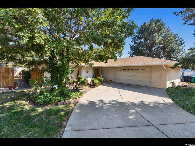 9581 S Tramway Cir E, Sandy, UT 84092 (#1629953) :: Doxey Real Estate Group