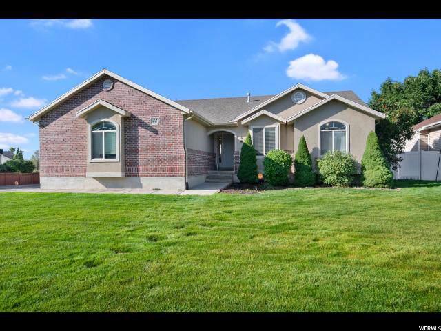 837 Crimson Ln, Kaysville, UT 84037 (#1630321) :: Keller Williams Legacy
