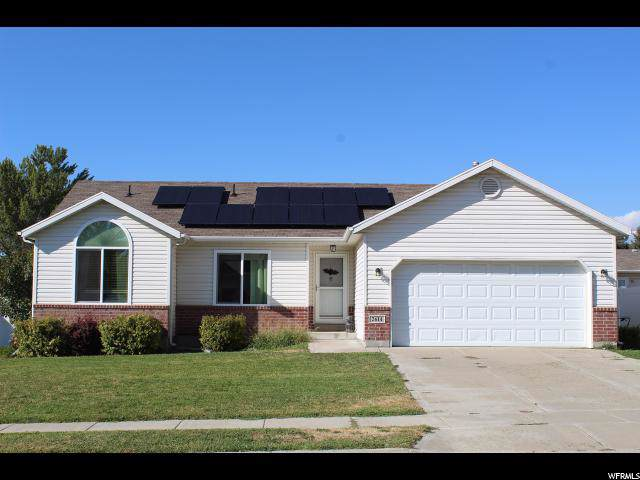 2614 W 4050 S, Roy, UT 84067 (MLS #1630391) :: Lawson Real Estate Team - Engel & Völkers