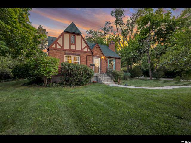 1868 Lincoln Ln, Holladay, UT 84124 (#1630649) :: goBE Realty