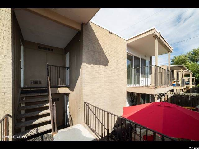 4426 S Rosehaven Ct B, West Valley City, UT 84120 (#1630929) :: Colemere Realty Associates