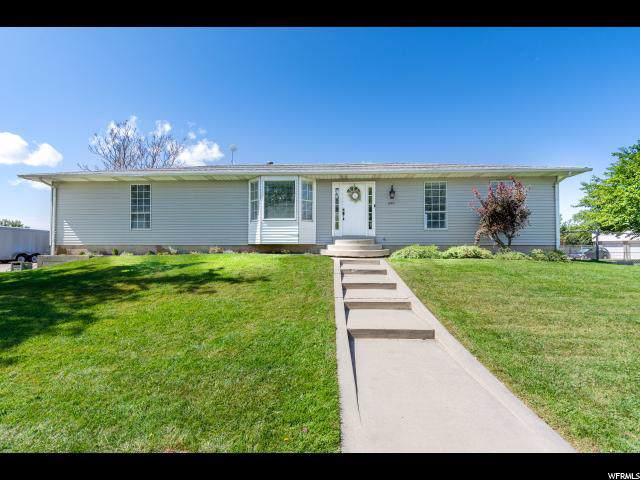 699 N 975 W, West Bountiful, UT 84087 (#1631286) :: Colemere Realty Associates