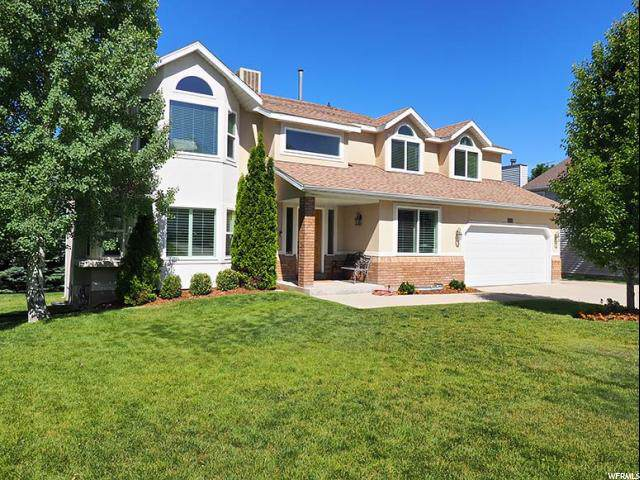 10042 S Lindsay Wood Ln E, Sandy, UT 84092 (#1631367) :: Colemere Realty Associates