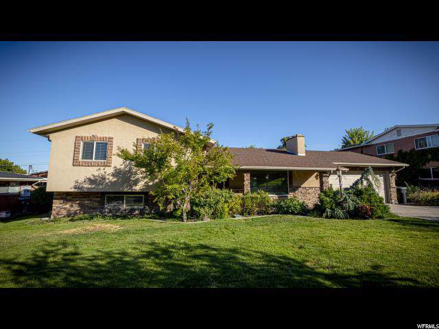 2829 Cherry Blossom Ln, Holladay, UT 84117 (#1631565) :: The Muve Group