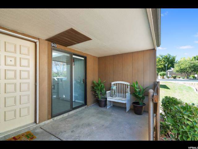 949 W Bloomington Dr S, St. George, UT 84790 (#1631648) :: Doxey Real Estate Group