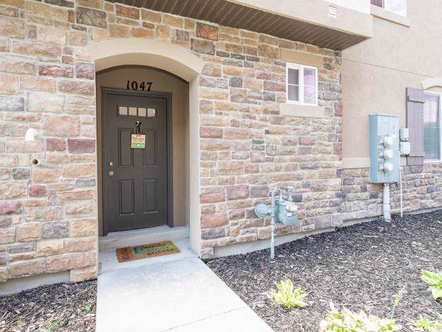 1047 Castleton Dr, North Salt Lake, UT 84054 (#1631768) :: RE/MAX Equity