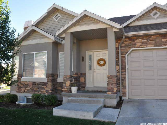 658 S Clearwater Falls Dr E, Layton, UT 84041 (#1632204) :: The Muve Group