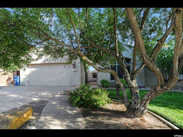 609 Pine Brook Ln, St. George, UT 84770 (#1634214) :: Red Sign Team