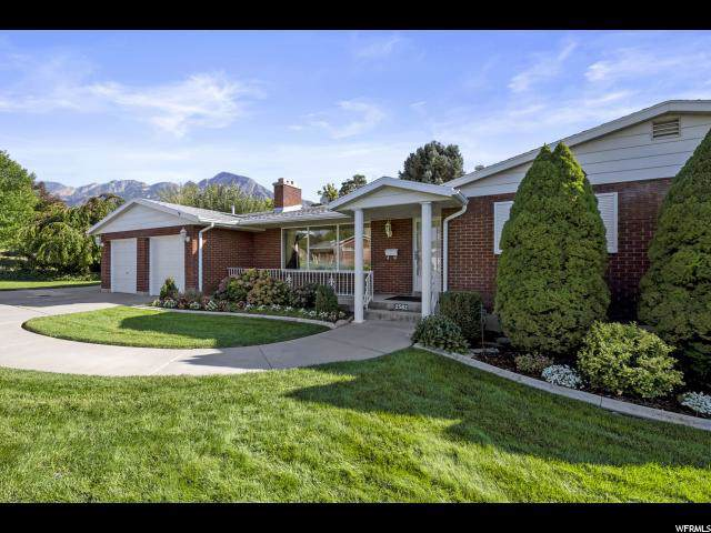 2582 E Evening Star Dr S, Holladay, UT 84124 (#1634386) :: goBE Realty