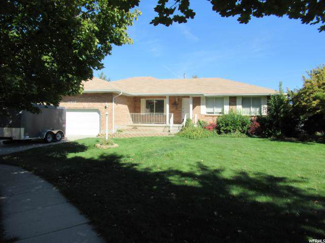 9835 S Country Bend Dr, South Jordan, UT 84095 (#1634400) :: Exit Realty Success