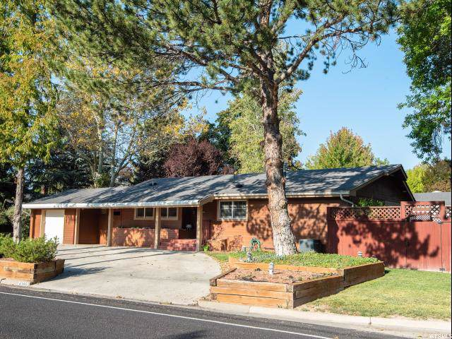 4385 S Holladay Blvd, Holladay, UT 84124 (#1634403) :: Colemere Realty Associates