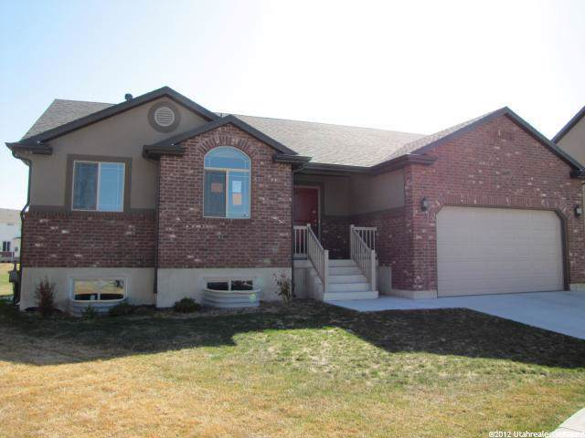 1427 S Primrose Ln, Syracuse, UT 84075 (#1636202) :: Red Sign Team