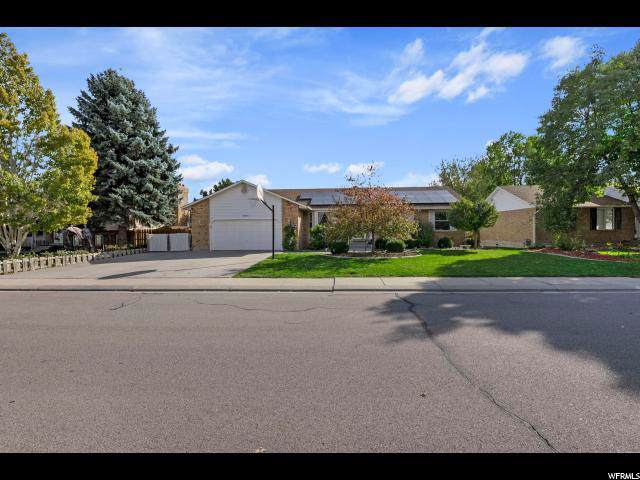 7711 S Strawberry Dr, West Jordan, UT 84084 (#1636626) :: Bustos Real Estate | Keller Williams Utah Realtors