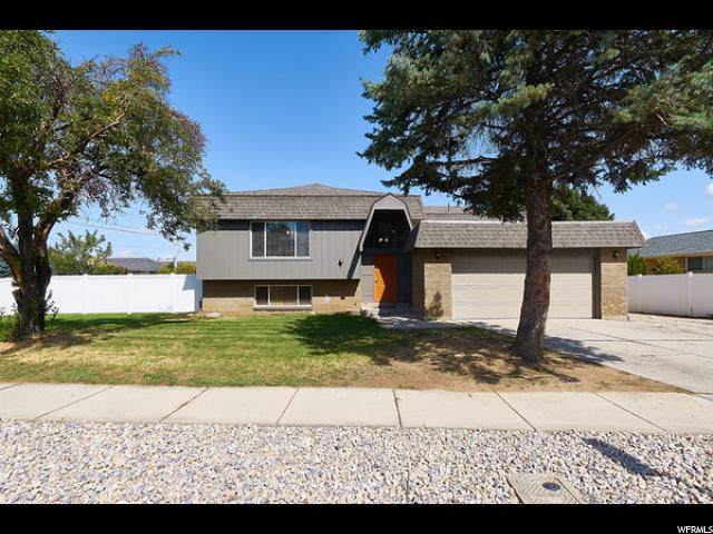 1313 E Hollowdale Dr., Cottonwood Heights, UT 84121 (#1636652) :: goBE Realty