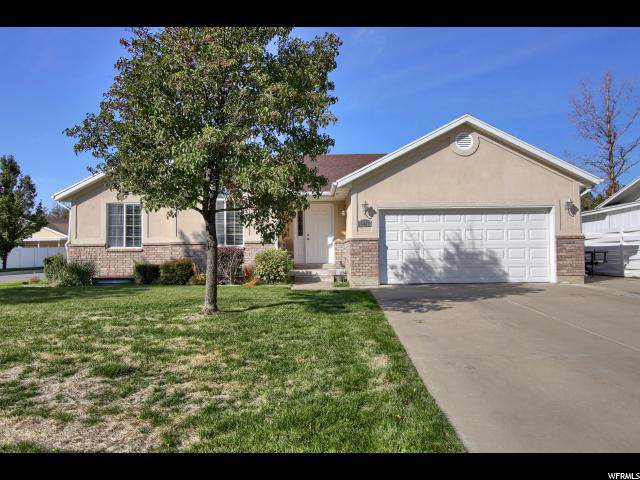 5883 S Willow Wood Dr, South Ogden, UT 84403 (#1637125) :: Doxey Real Estate Group