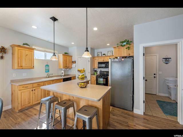 10426 Avondale Dr, Cedar Hills, UT 84062 (#1637148) :: The Canovo Group