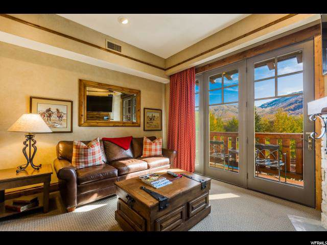 2001 Park Ave #307, Park City, UT 84060 (#1637193) :: Doxey Real Estate Group