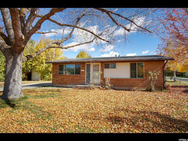 6072 S 2550 W, Roy, UT 84067 (#1637961) :: Doxey Real Estate Group