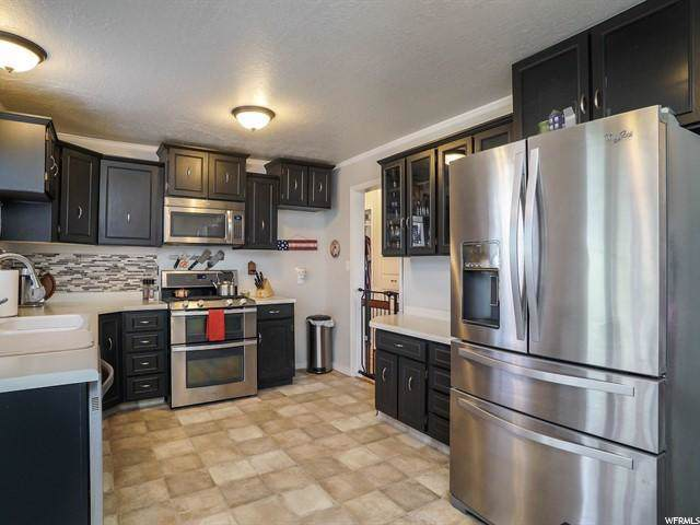 733 W 3500 S, Bountiful, UT 84010 (#1638060) :: Colemere Realty Associates