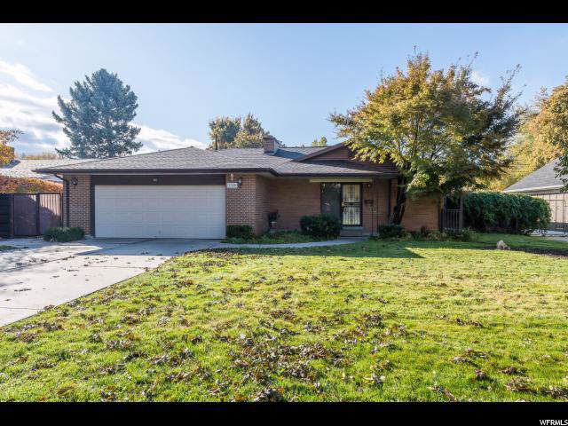1708 E Meadowmoor Dr S, Holladay, UT 84117 (#1638256) :: The Fields Team
