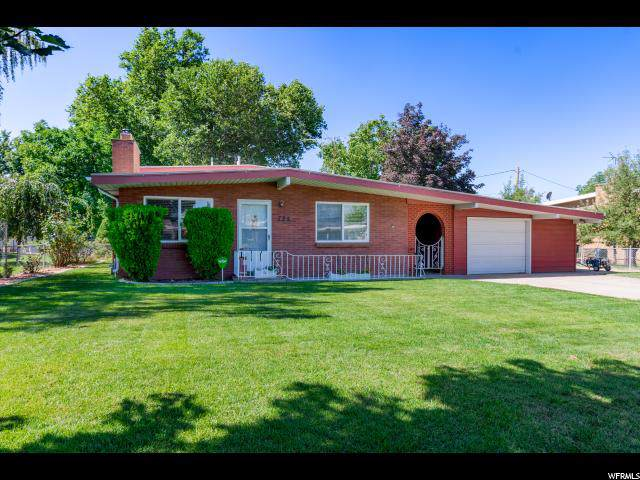 725 E 5300 S, South Ogden, UT 84405 (#1638795) :: The Fields Team