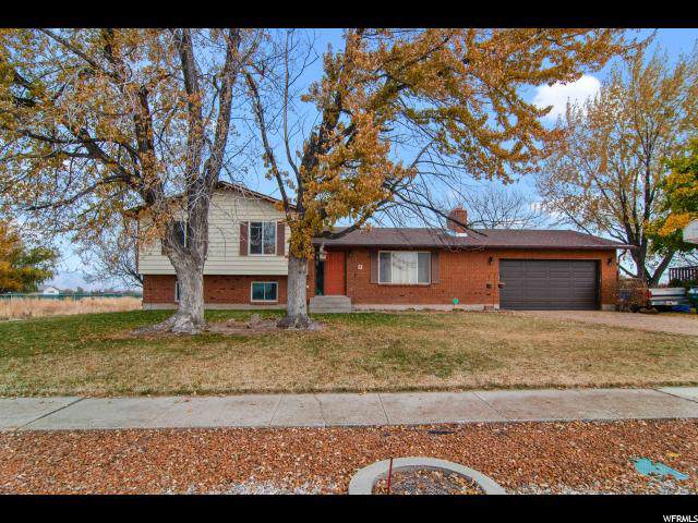 5690 S 5500 W, Hooper, UT 84315 (#1639653) :: Doxey Real Estate Group