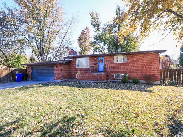 1516 E Meadowmoor Rd S, Holladay, UT 84117 (#1639846) :: Red Sign Team