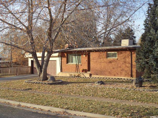 598 42ND St, South Ogden, UT 84403 (#1641701) :: Doxey Real Estate Group