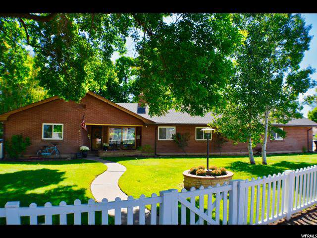 424 E 100 N, Morgan, UT 84050 (#1642362) :: Keller Williams Legacy