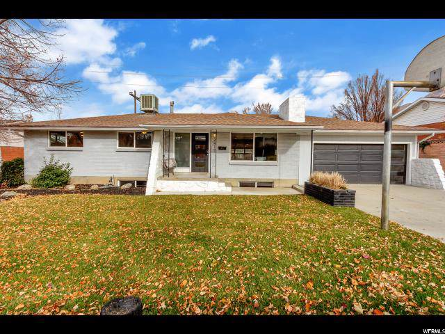 2417 E Sundown Ave, Cottonwood Heights, UT 84121 (#1643133) :: Red Sign Team
