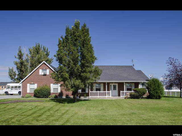 5640 W 4000 S, Hooper, UT 84315 (#1643901) :: Doxey Real Estate Group