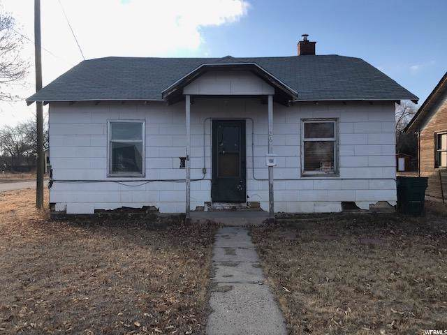 264 S 100 E, Vernal, UT 84078 (#1644073) :: Exit Realty Success