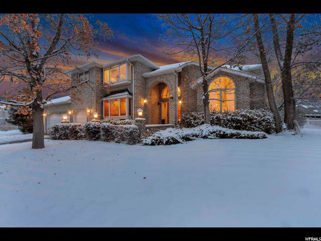 8101 S Pine Creek Ln E, Cottonwood Heights, UT 84093 (#1644119) :: Red Sign Team