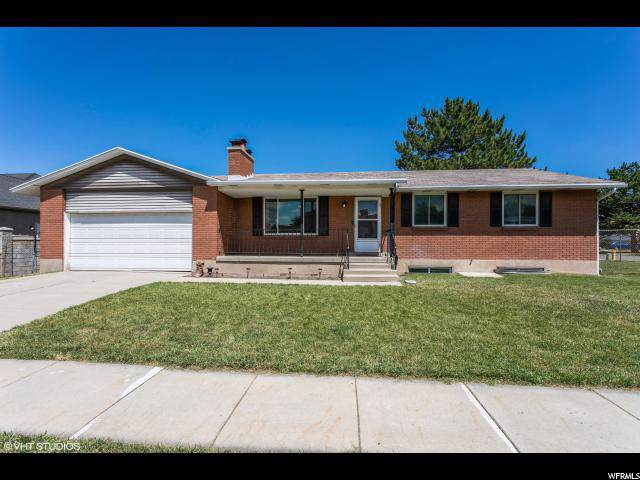 3887 S Hawkeye Dr W, West Valley City, UT 84120 (#1645107) :: Big Key Real Estate
