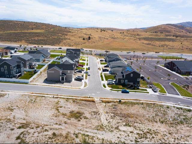 1963 E Oquirrh Ranch Pkwy, Eagle Mountain, UT 84005 (#1645188) :: Colemere Realty Associates