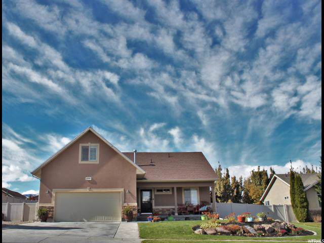 13892 S Creek Vista Dr, Herriman, UT 84096 (#1645305) :: The Fields Team