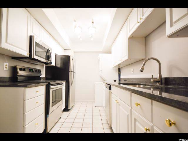 160 S 600 E #306, Salt Lake City, UT 84102 (#1645543) :: goBE Realty