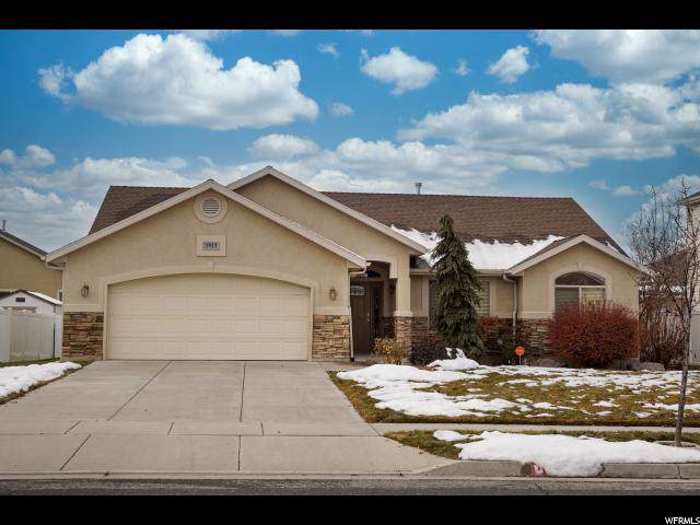 1933 N 2595 W, Clinton, UT 84015 (#1645939) :: Doxey Real Estate Group