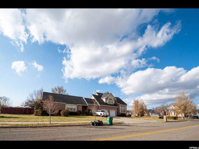 886 S Lloyd Rd E, Fruit Heights, UT 84037 (#1646080) :: Doxey Real Estate Group