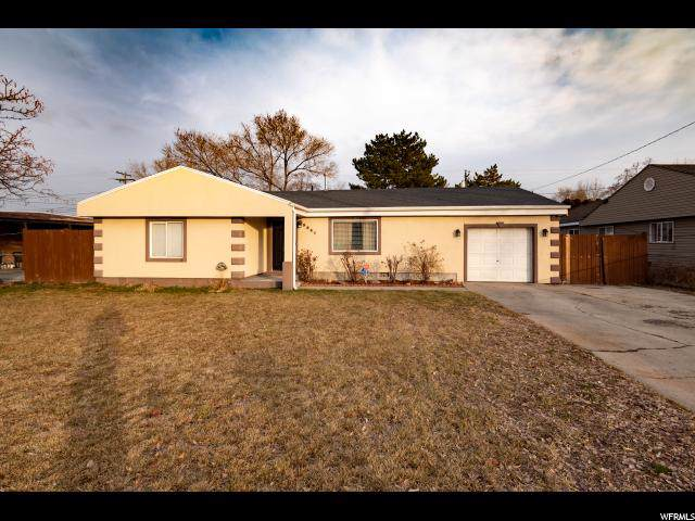 3031 S 2910 W, West Valley City, UT 84119 (#1647762) :: Red Sign Team