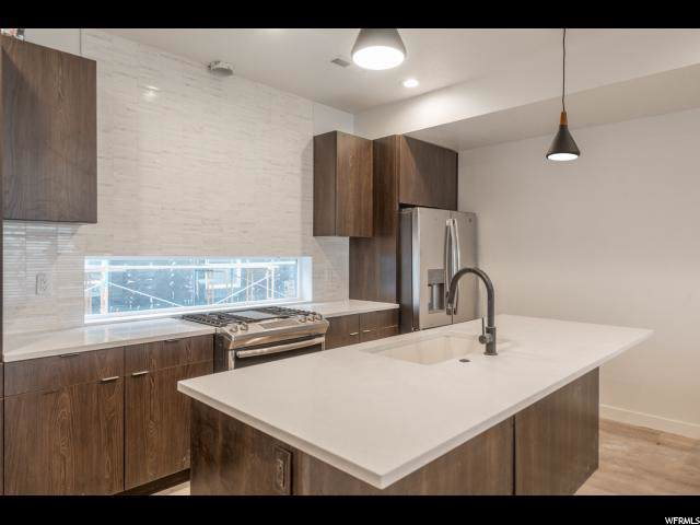 230 W 1300 S #4, Salt Lake City, UT 84115 (#1648594) :: The Fields Team