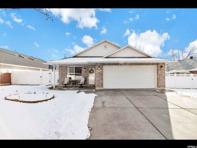 887 W 1570 N, Clearfield, UT 84015 (#1649625) :: Red Sign Team