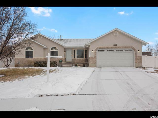 5227 W Butterfield Peak Cir, Riverton, UT 84096 (#1649871) :: Doxey Real Estate Group