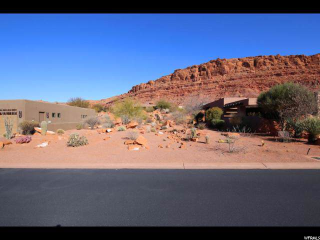 2336 Entrada Trl W, St. George, UT 84770 (#1649882) :: Colemere Realty Associates